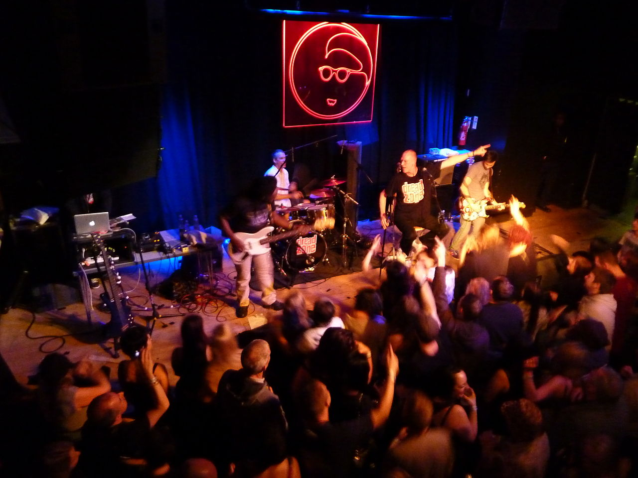 file dreadzone   band on the wall  manchester 7