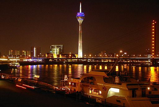 Duesseldorf riverside by night 01