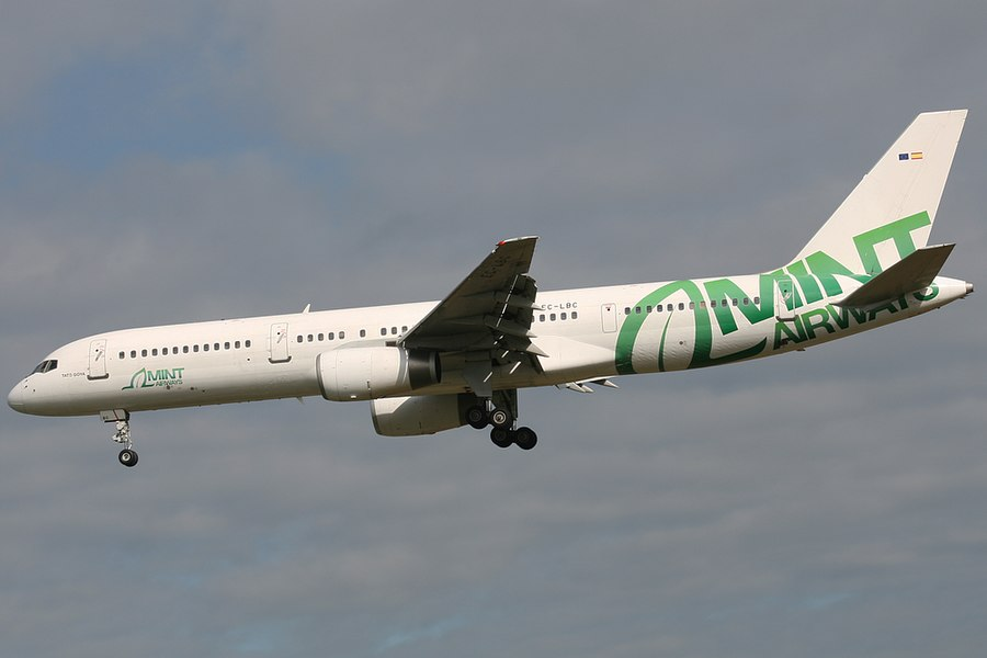 EC-LBC Mint Airways Boeing 757-200