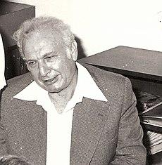 אפרים קציר ב-1977