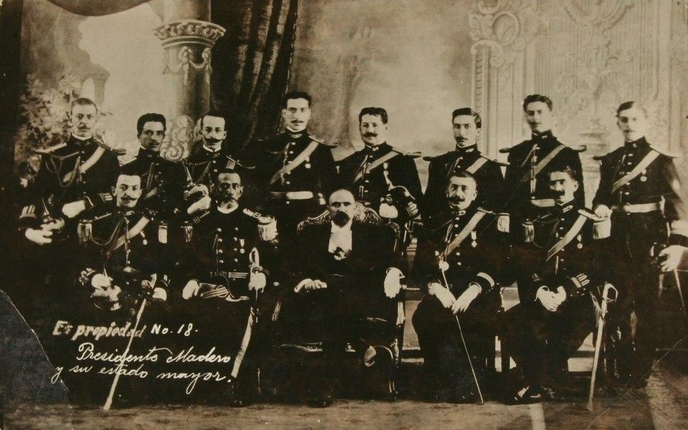 El presidente Francisco I. Madero y su estado mayor presidencial (c. 1911), de Agustín Víctor Casasola