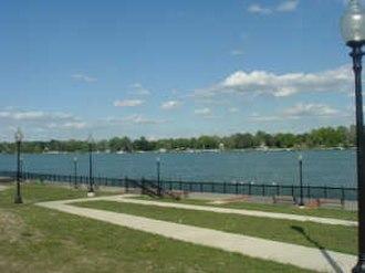 Trenton, Michigan - Detroit River from Elizabeth Park