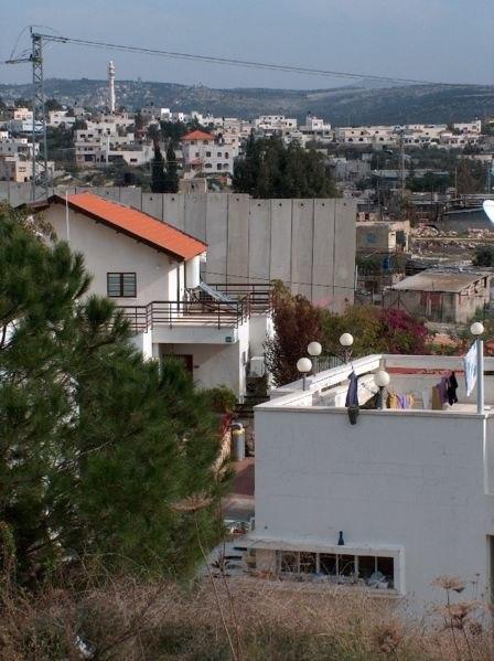 Elkana and barrier