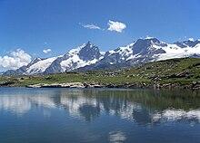 Emparis- massif de la Meije depuis le lac Noir.jpg