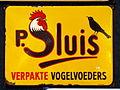 Enamel advert, P Sluis verpakte vogelvoeders.JPG