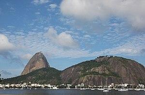 Sugarloaf Mountain and Urca Hill Natural Monument - Image: Enseada de Botafogo Pão de Açucar Morro da Urca