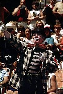 Ernest Borgnine (Old Milwaukee Days, June 1973).jpg