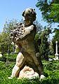 Estàtua de xiquet al jardí de Vivers de València.JPG