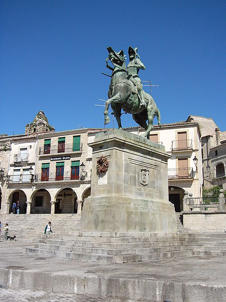 File:Estatua de Francisco Pizarro en Trujillo.JPG
