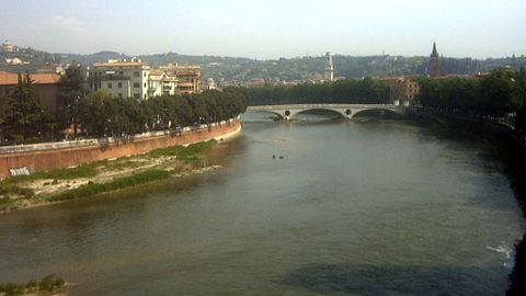 Eugene retreated to the Adige at Verona. Etsch verona.jpg