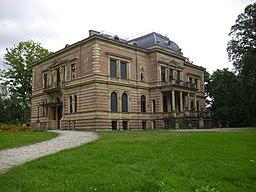 Faberschloss mit Park und anliegenden Villen Ende August 2010 21