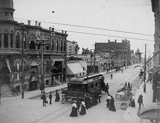 Fair Oaks Avenue (Pasadena, California) - c1903 Fair Oaks Avenue looking south from Colorado Boulevard.