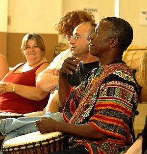 Famoudou Konaté - Famadou Konaté teaching at a workshop