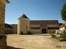 The Ferme de Monsieur, an historic monument in Mandres-les-Roses