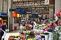 Flower sellers at London's Victoria station, August 1, 2011. - panoramio.jpg