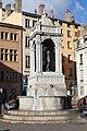 Fontaine St Jean Lyon 13.jpg