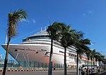 Fotos del crucero Carnival Breeze en el puerto de La Luz y de Las Palmas en Gran Canaria (8179701576).jpg