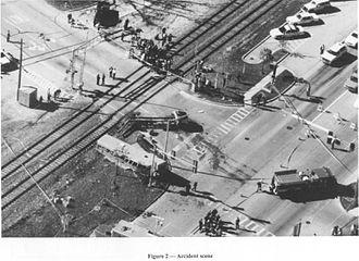 1995 Fox River Grove bus–train collision - Image: Fox river grove 1995 bus accident scene