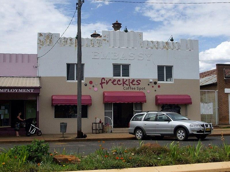 File:Freckles Coffee Spot Baradine.jpg