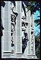 Friburgo. Dettaglio delle statue dei santi sulla facciata della Chapelle de Lorette.jpg