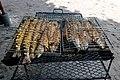 Frischer gegrillter Fisch Barrakuda auf den Seychellen (38909073544).jpg