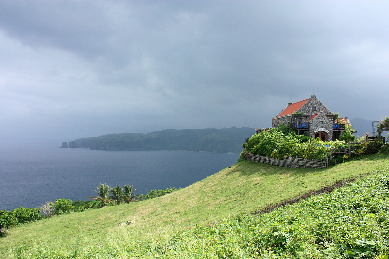 batanes-lighthouse  1280px-Fundacion_Pacita,_Batanes_Island,_Philippines
