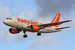 G-EZDB A319 easyJet CPH.jpg