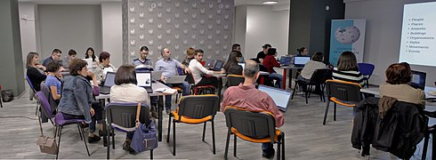 GLAM forum in Yerevan, workshop for wikieditors on Wikidata 39.jpg