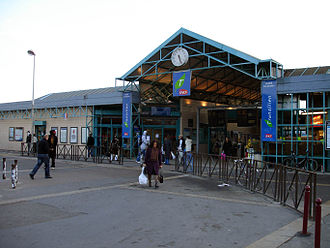 Bondy station - Image: Gare de Bondy 01