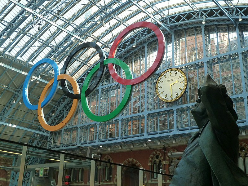 File:Giant Olympic Rings in St Pancras International - geograph.org.uk - 2295321.jpg