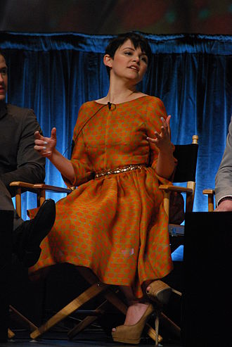 Snow Falls - A horse injured Ginnifer Goodwin's hand and face during filming of the episode.