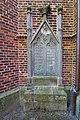 Grabstein an St. Dionysius-Kirche in Nettelrede (Bad Münder) IMG 6581.jpg