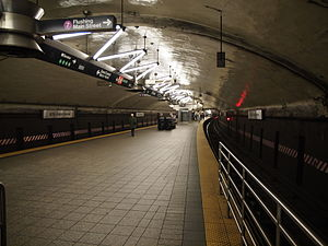 Grand Central–42nd Street (New York City Subway) - View from the end of the platform, looking west