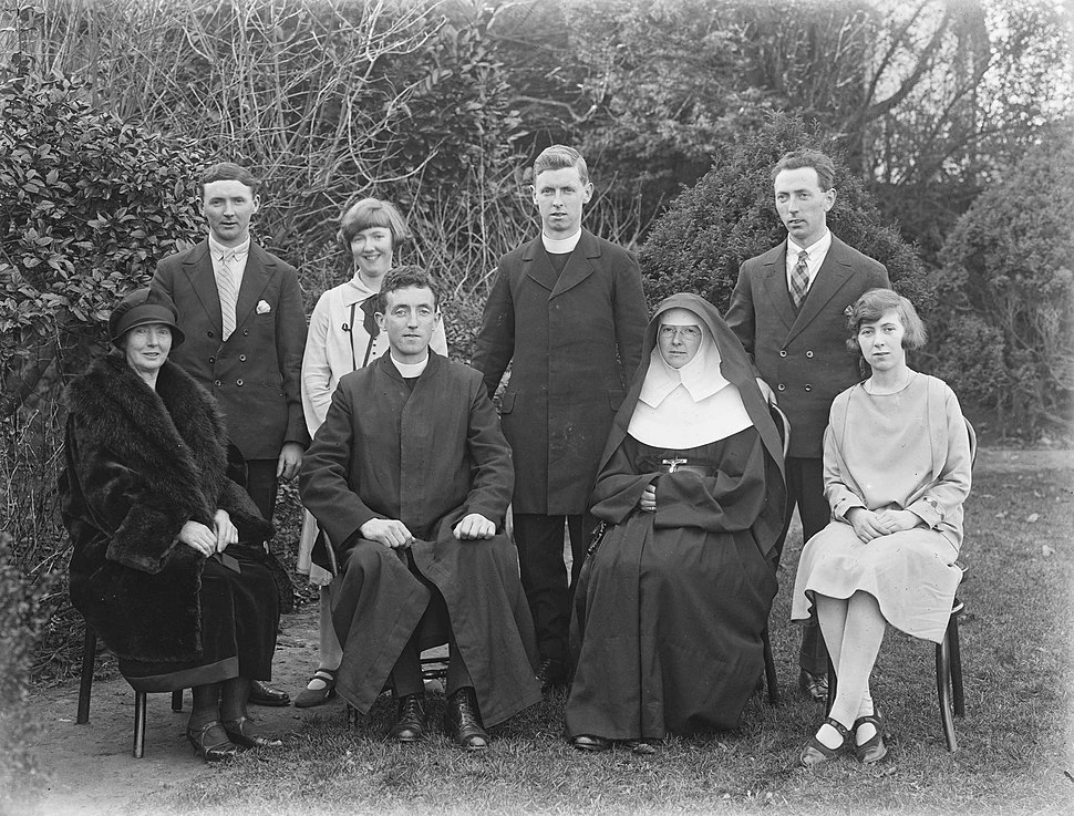 Group picture for Burke family marking ordination, Ireland, 1926 (6476240393)
