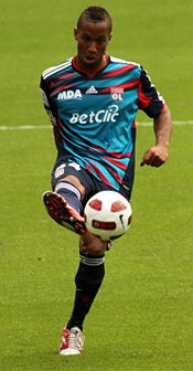 Harry Novillo during Emirates cup 2010.jpg