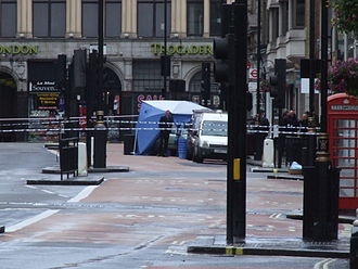 2007 London car bombs - The Mercedes-Benz on Haymarket covered by a tent