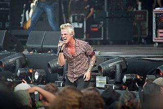 Jeff Gutt American singer-songwriter, musician