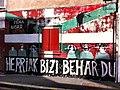Herriak bizi behar du murala 01.jpg