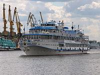 I.A. Krylov on Khimki Reservoir 23-jul-2012 02.JPG