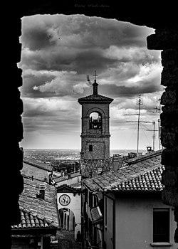 Il Borgo dalla Rocca di Dozza.jpg