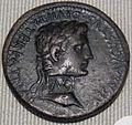 Impero, augusto, sesterzio in oricalco (lione), 10-14 dc 01.JPG