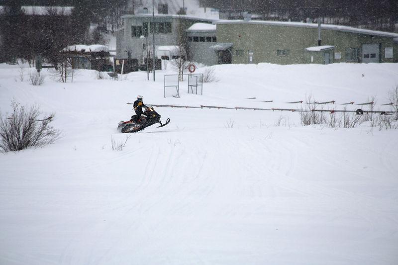 File:Inari, Suomi - Finland 2013-03-10 Inarijärvi snowmobile a.jpg