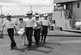 Irish Naval Service - Naval Service personnel remove the body of a victim of Air India Flight 182 from LÉ Aisling which was sent to search for survivors on 23 June 1985.