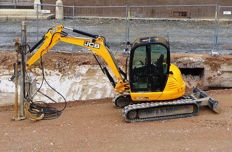 File:JCB compact excavator, 2013.JPG