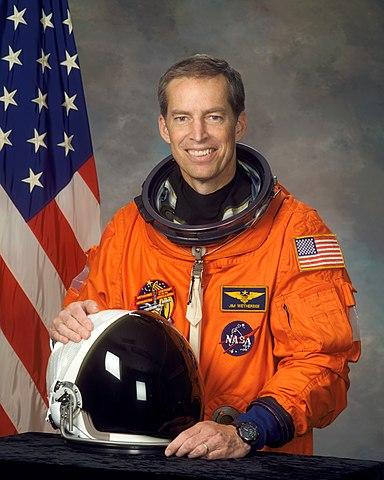 Astronaut James Wetherbee, NASA photo Source: Wikipedia (www.jsc.nasa.gov unavailable November 2019) 384px-James_Wetherbee.jpg