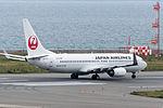 Japan Airlines, B737-800, JA332J (18425855156).jpg