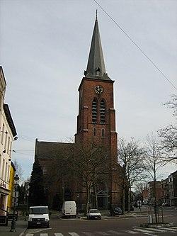Jette Sint-Pieterskerk Kardinaal Mercierplein.jpg