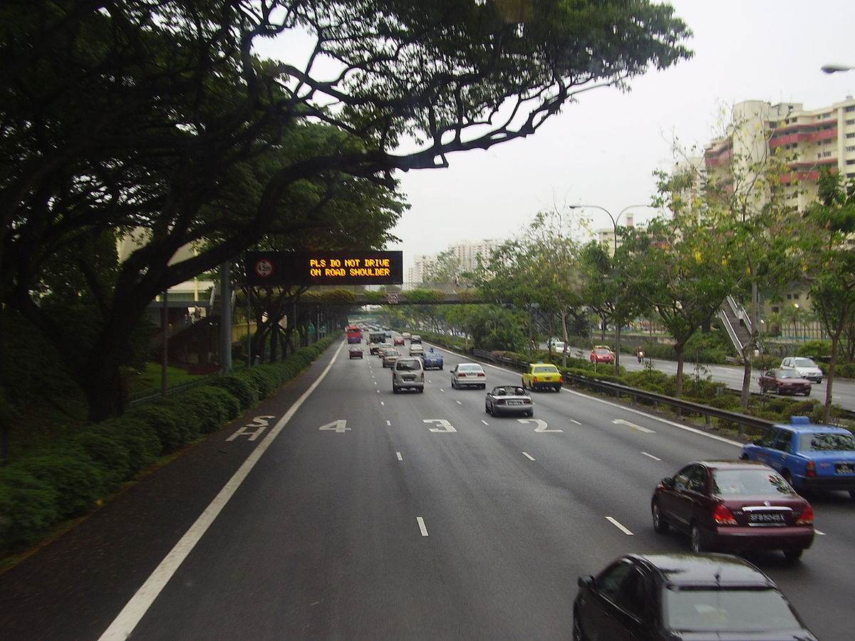 Driving in Singapore - Wikipedia