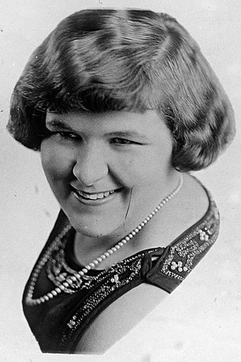 Wholesome Kate Smith, Paley's choice for La Palina Hour, was unthreatening to home and hearth Kate Smith.jpg