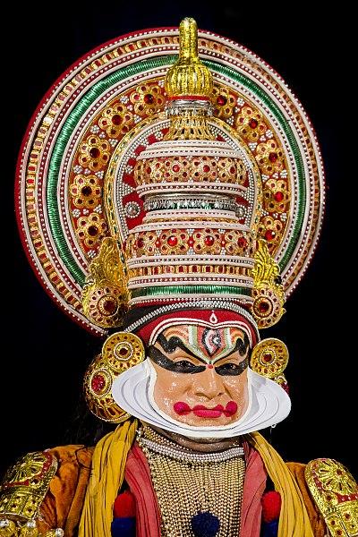 Datei:Kathakali Close-up BNC.jpg